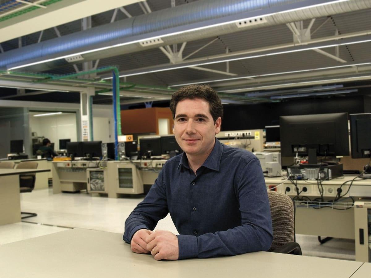 David Santamaría García, responsable de diseño y desarrollo de firmware para MATV